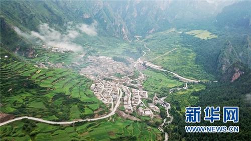 甘肃甘南州:打造扎尕那生态旅游养生特色小镇3.jpg