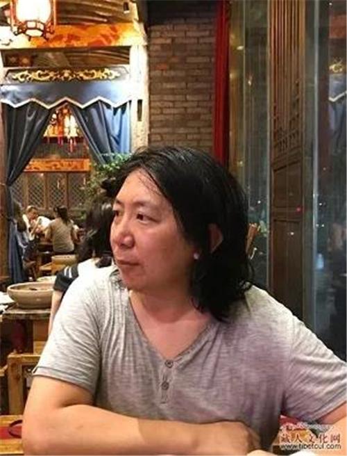 加布青•德卓藏文版长篇小说《香巴拉秃鹫》出版发行2.jpg