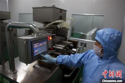 中国藏药标准化领域首个标准定值实验室获批1.jpg