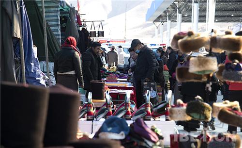 第39届雅砻物交会开幕,西藏山南人开启买买买模式2.jpg