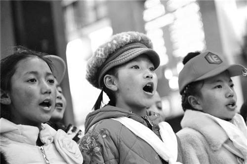 西藏60名学生赴京 参加全国少儿春节联欢晚会