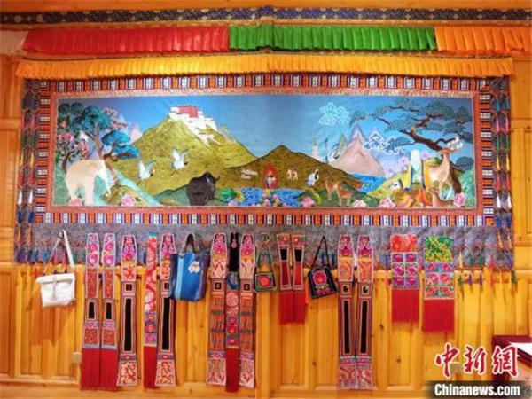 """青海""""贵南藏绣""""绣出青藏高原独特的历史与文化"""