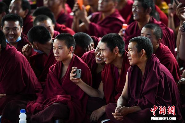 """西藏扎什伦布寺举行一年一度""""羌姆""""跳神活动"""