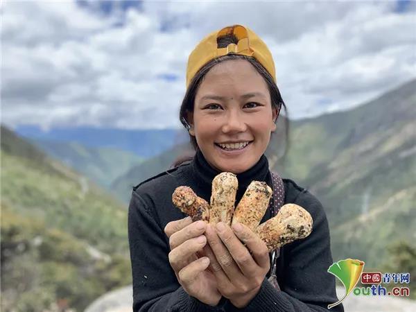 迷藏卓玛和她海拔4000米的直播间
