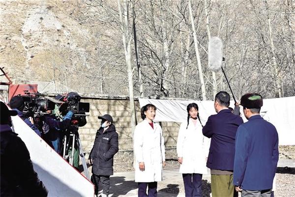 电影《雪域青春》在拉萨开拍 力争5月底上映
