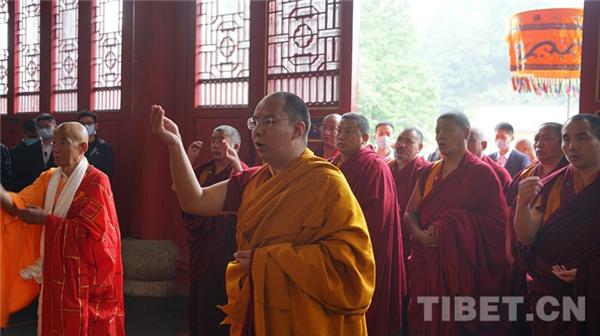 班禅:铸中华共同体意识 提升宗教中国化水平
