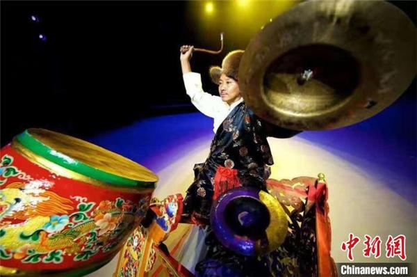 扎西旺杰:一鼓一钹成就艺术人生