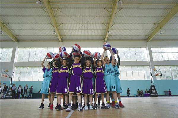 2021西藏小篮球联赛暨篮球夏令营在拉萨热力开赛