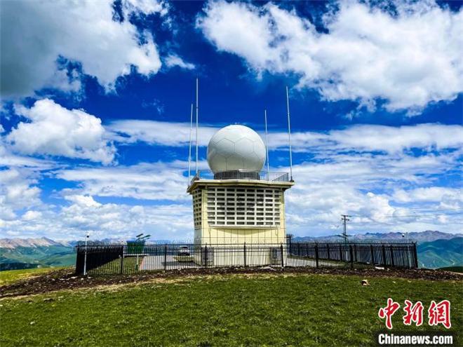 中国海拔最高的天气雷达站在青海玉树建成