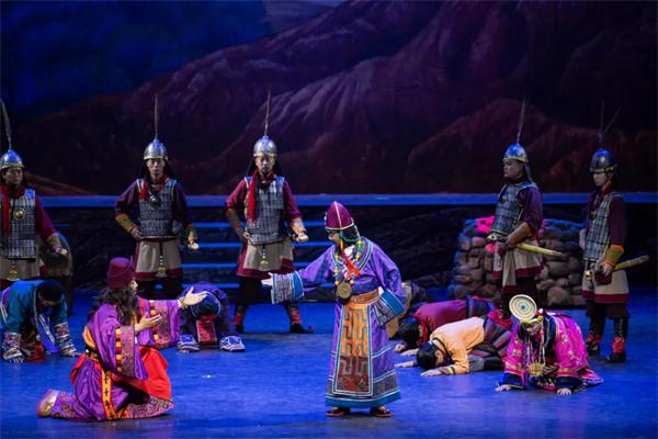 藏戏《唐东杰布》:再现藏汉民族团结历史传统