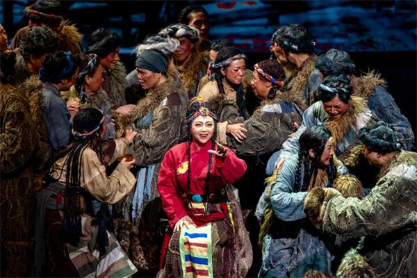民族歌剧《尘埃落定》:经典之作的歌剧演绎