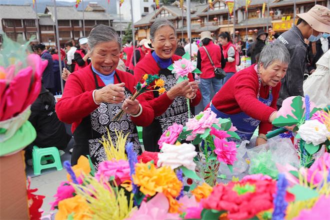 第五届古城花灯会9月15日在四川松潘县举行