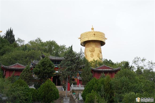 云南香格里拉市独克宗古城吉祥如意幢修缮完工
