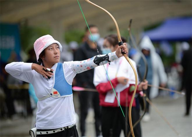 娘毛太:中学生的射箭梦