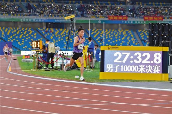 西藏体育代表团全运会2金  多布杰万米夺冠