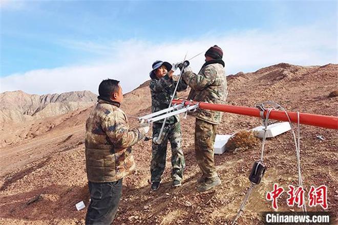 青海冷湖赛什腾山天文台址自动气象站建设完成