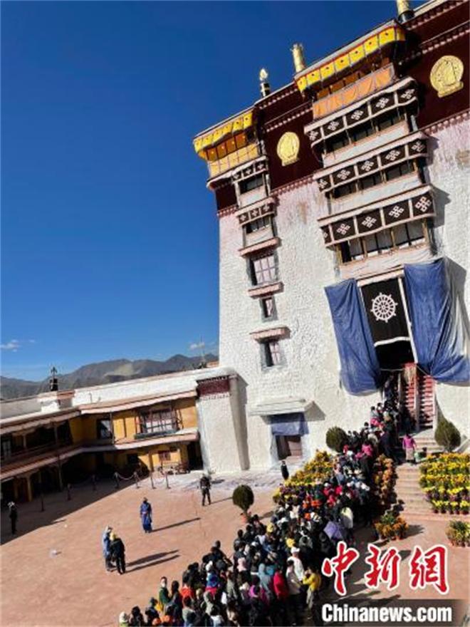 今年1月至9月 西藏接待海内外游客超3688万人次