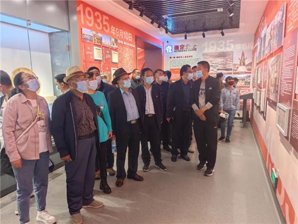 甘南州文联举办纪念建党100周年红色题材文学创作采风活动4.jpg