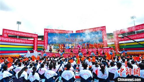 2020雅砻文化旅游节在西藏山南开幕2.jpg
