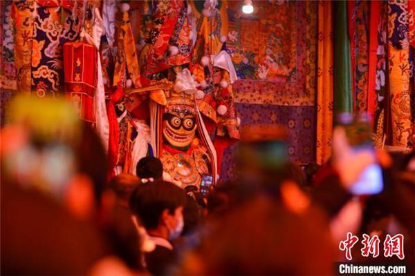 """来自""""女神""""的祝福 西藏拉萨迎来""""仙女节""""3.jpg"""