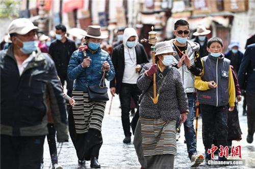 西藏拉萨八廓街时隔3个月重新对外开放2.jpg