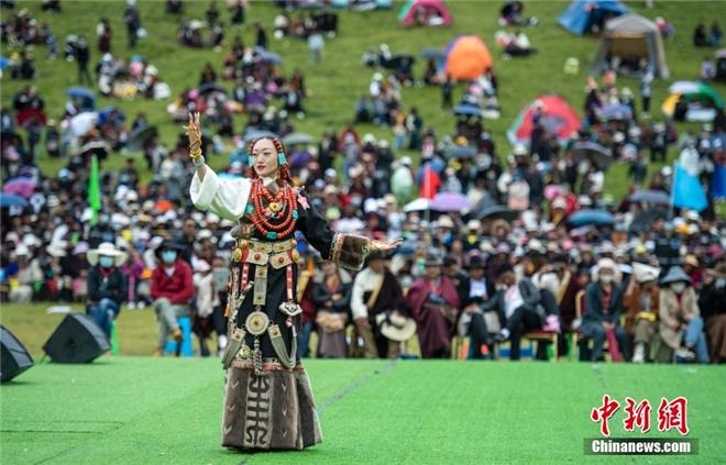 """西藏那曲:""""牧人风采·比如形象""""选拔赛精彩落幕4.jpg"""