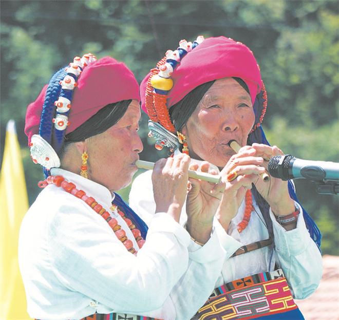 松潘县举行第三届松潘多声部毕曼歌节1.jpg