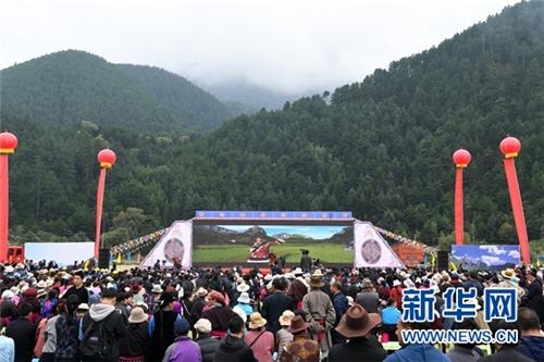 甘肃甘南州:打造扎尕那生态旅游养生特色小镇1.jpg