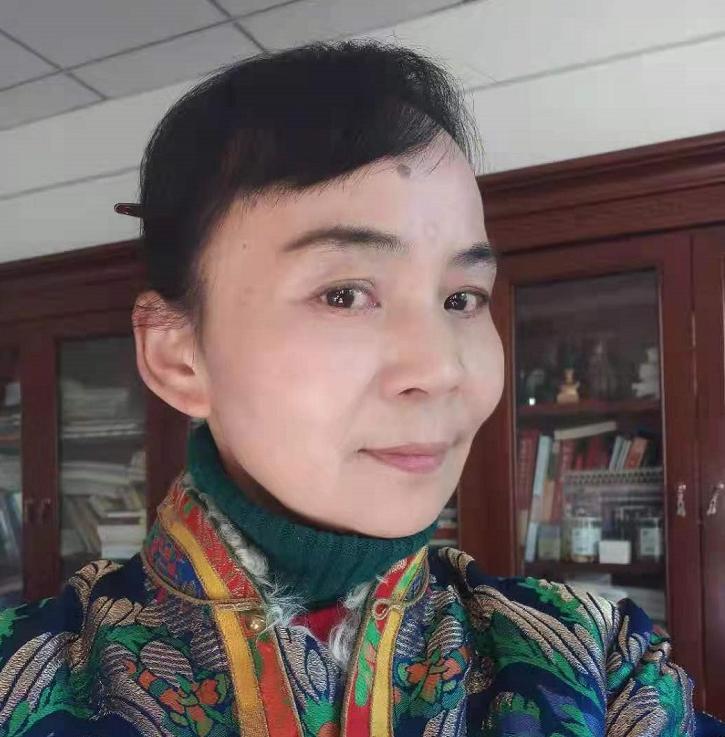 亮炯·朗萨:在内蒙,遇见仓央嘉措