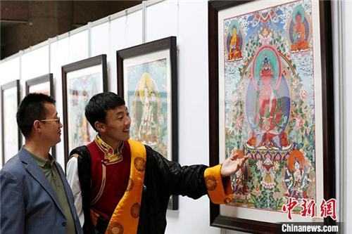 """青海藏艺传承不息:从""""师带徒""""到现代高校教育1.jpg"""