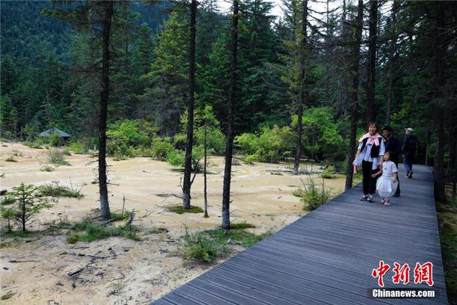 嫩恩桑措:镶嵌在四川九寨沟县的另一颗明珠5.jpg