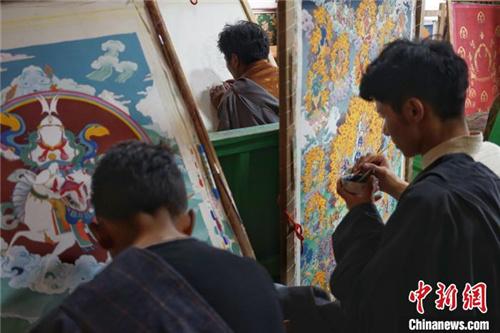 保护非遗 西藏丁青东朵唐卡及藏文书法有序传承发展2.jpg