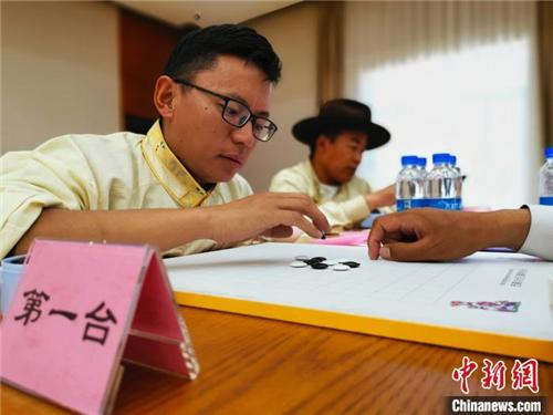 贝博ballbet体育官网第二批25位传统藏棋段位棋手在拉萨产生4.jpg