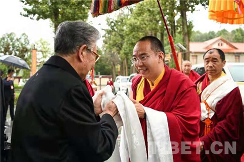 十一世班禅在西藏拉萨开展调研及佛事活动2.jpg