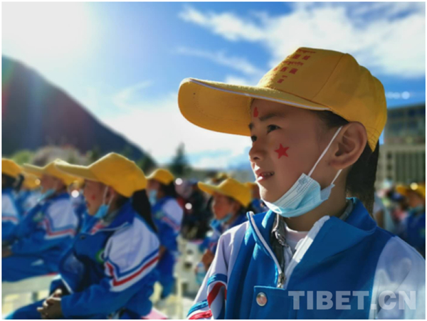西藏加查县达布文化旅游节:欢乐祥和 民族团结2.jpg