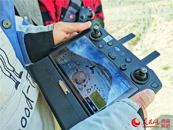 西藏首次使用无人机精准飞播造林种草4.jpg