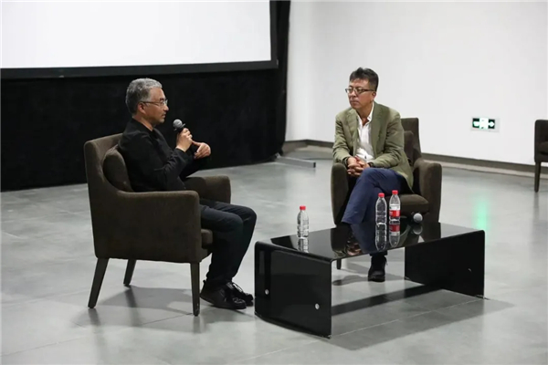 万玛才旦对话刘小东、杨飞云和朝戈:民族、乡土记忆和创作2.jpg