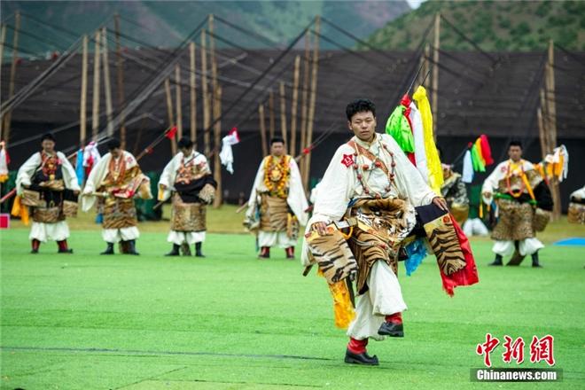 """西藏那曲:""""牧人风采·比如形象""""选拔赛精彩落幕7.jpg"""