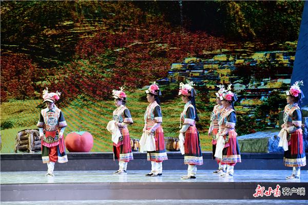 甘肃甘南州:音乐剧《达玛花开》首次公开演出2.jpg
