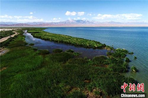 柴达木盆地打造中国知名旅游黄金目的地1.jpg