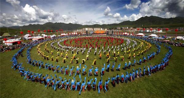 甘肃甘南州:多措施发力 文旅产业促乡村振兴3.jpg