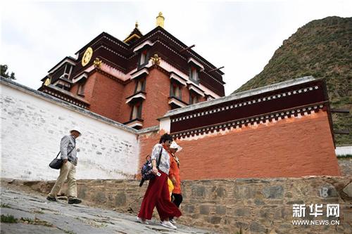 """""""世界藏学府""""拉卜楞寺完成14座佛殿主体修缮工程4.jpg"""