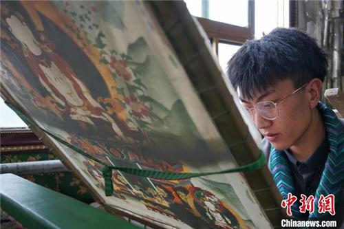 保护非遗 西藏丁青东朵唐卡及藏文书法有序传承发展1.jpg