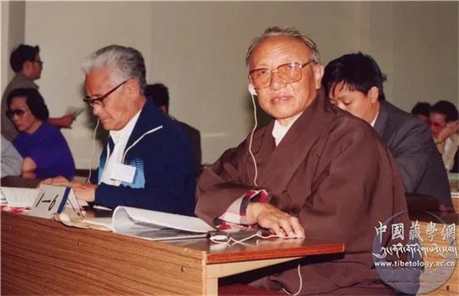 东噶•洛桑赤列:从活佛到大学教授7.jpg