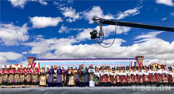 """第五届""""藏地之音""""民歌秀在西藏拉孜县举办1.jpg"""