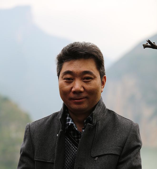 尹向东短篇小说:时光上的牧场