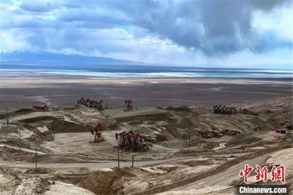 柴达木盆地最复杂山地三维地震项目圆满完成2.jpg