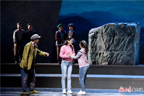 甘肃甘南州:音乐剧《达玛花开》首次公开演出3.jpg