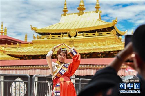 暂停开放五个多月后 西藏大昭寺恢复对外开放3.jpg