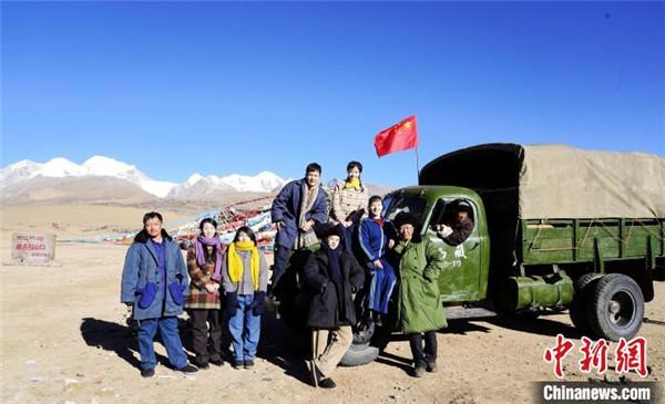 援藏题材电影《雪域青春》在西藏拉萨投入拍摄5.jpg